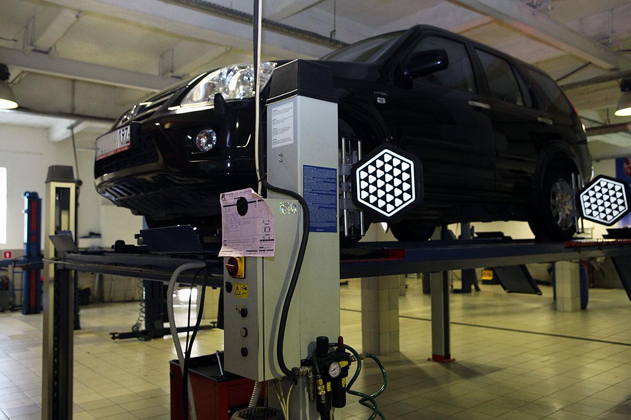 Ремонт подвески и сход развал Хонда
